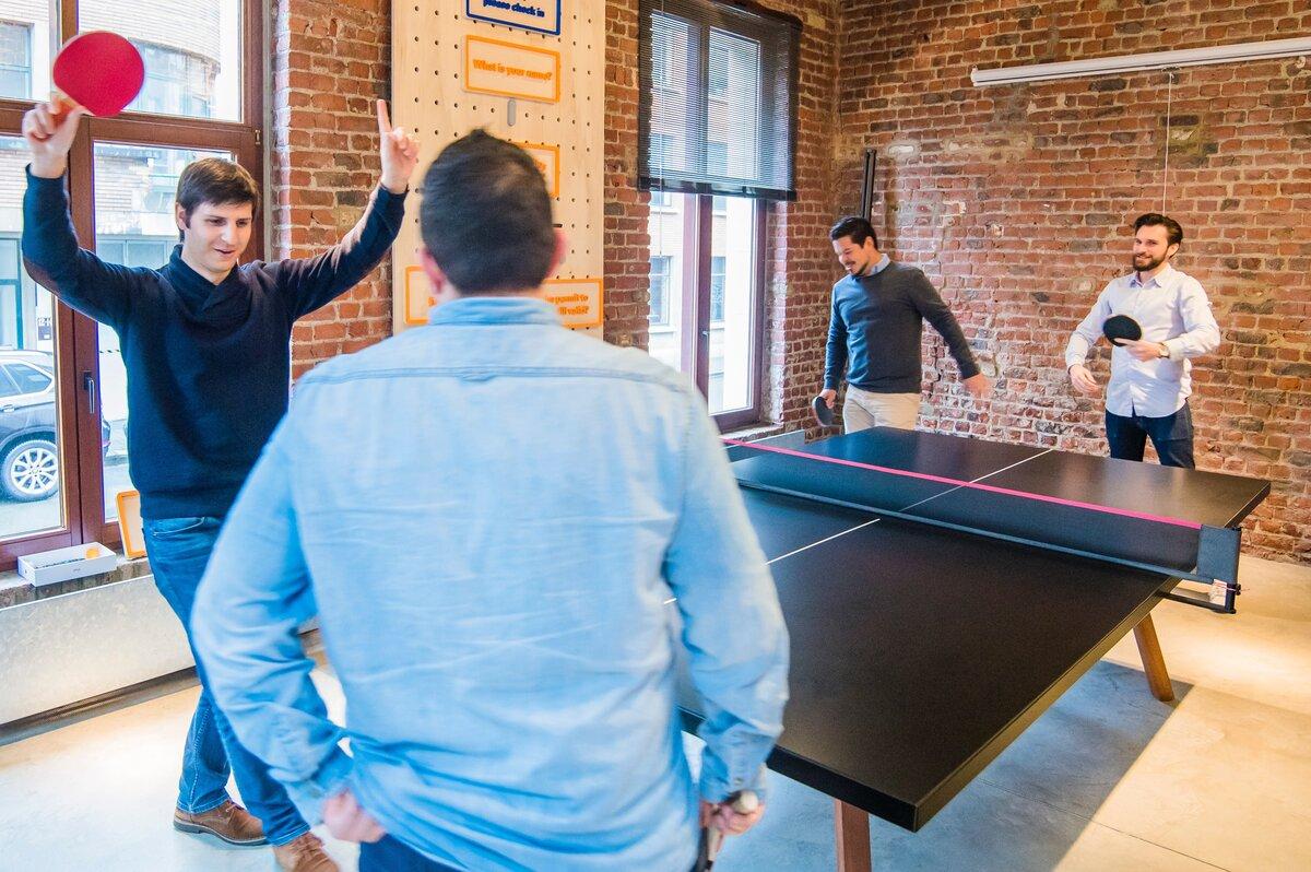 Comment le sport d'équipe et le travail se ressemblent-ils?